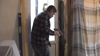 Штукатурка откосов цементным раствором(Подробности на http://doctorlom.com/item90.html Как оштукатурить откосы дверного (или оконного) проема цементно-песчаной..., 2012-01-09T14:01:01.000Z)