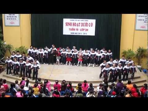 Trung Vuong 3H2012 Sinh Hoat Duoi Co 1/5 - Ta hay chao don nam moi dep tuoi.MOV