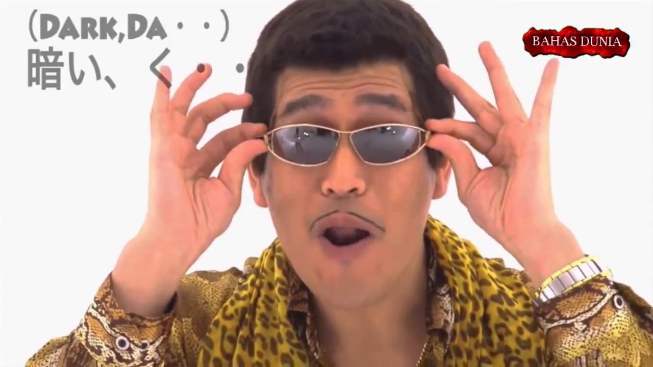 Harganya Sampe 5M!!!! 10 Merk Kacamata Termahal Di Dunia  BAHASDUNIA ... 1c8118cc3d