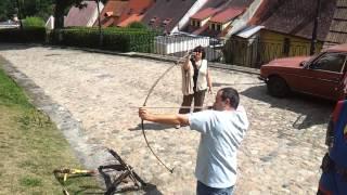 Чехия замок Локет.(пять стрел из лука все мимо кассы. пять из арбалета, три попал одну аж в яблочко., 2012-09-15T19:20:19.000Z)