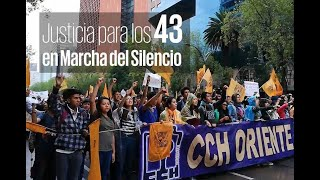Exigen justicia para los 43 de Ayotzinapa en Marcha del Silencio