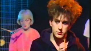 Fun Boy Three - Our lips are sealed ( May 1983 Live  on Top of The Pops) .flv
