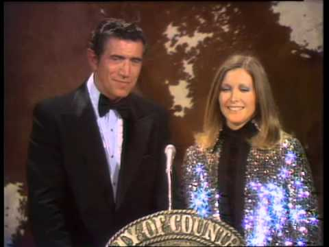 Cal Smith Wins Single Record of the Year - ACM Awards 1975