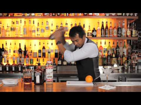 How to make a Cosmopolitan cocktail - by Cointreau