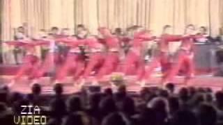 persian tajik girls dancing for the soviet russians lol Resimi