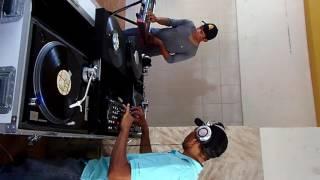 practica 1 de miniteca halley generation...DJ JHONNY .JUNTO A DJ DEMERY S  SANTANA SAMPLER.