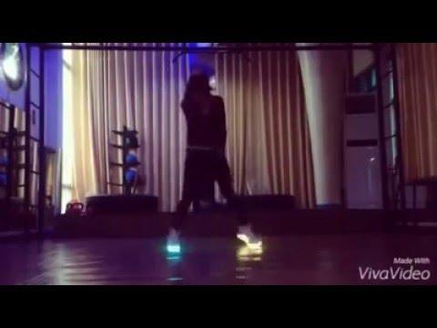 C-walk | Shuffle dance - cover by Girl Xinh(Giầy siêu đẹp part 1)