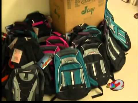 Huntington Bank hands out back packs