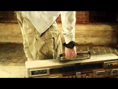 Eminem - Berzerk (Official) (Explicit).mp3