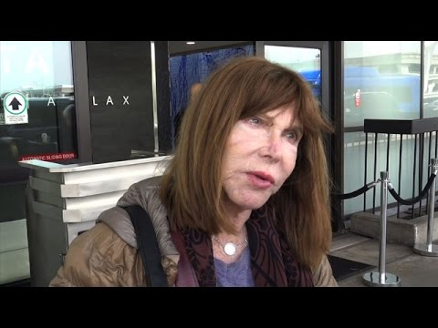 Actress Lee Grant Confesses Her Age And Chats About Blacklisting