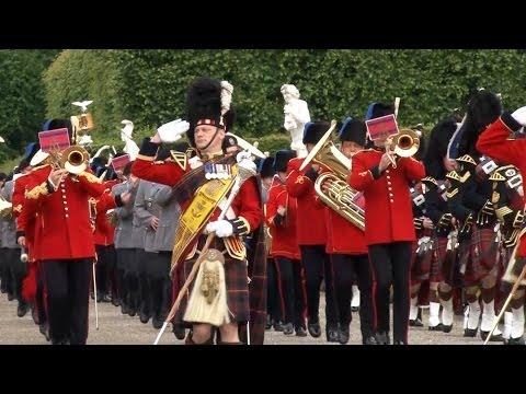 Soldiers Celebrate Queen
