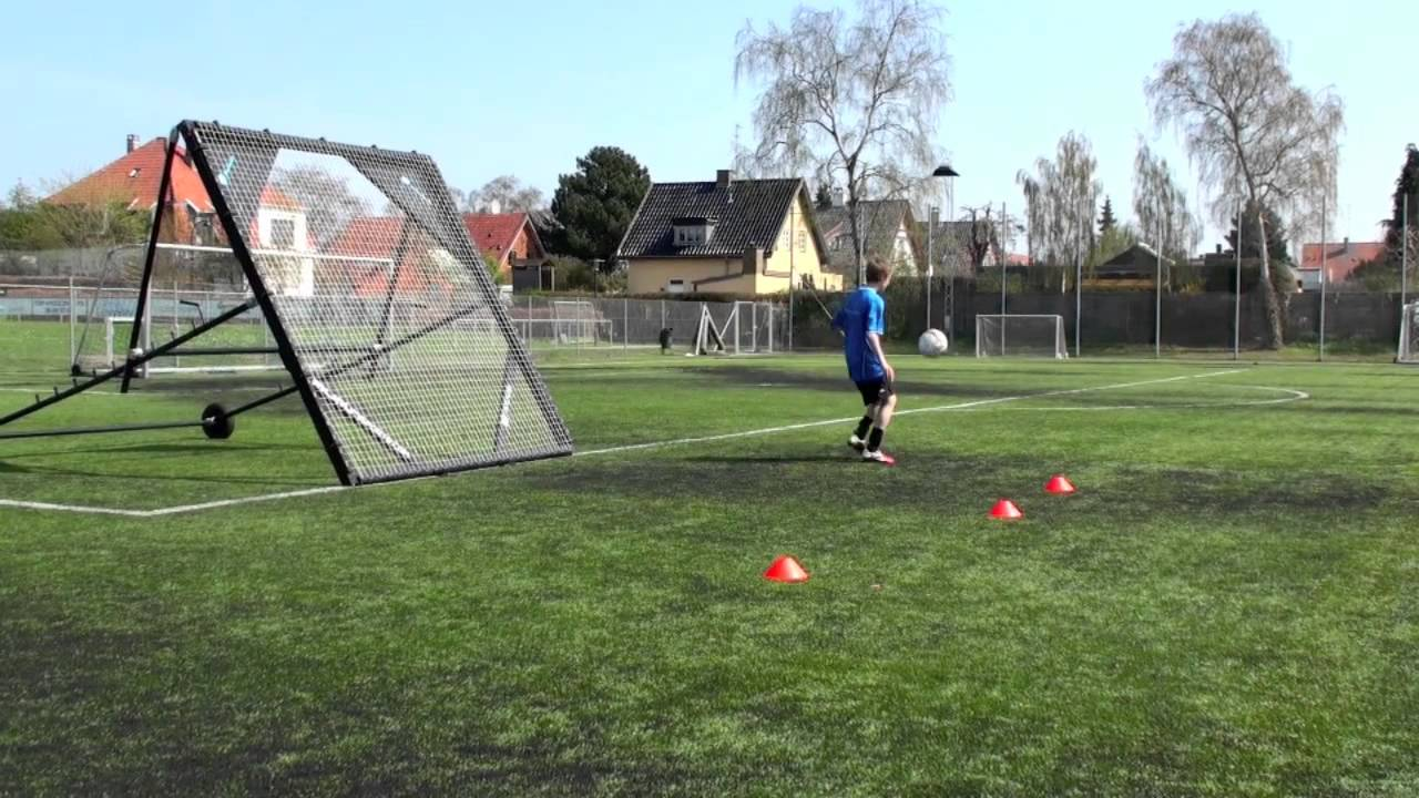 Self practice with the m-station football rebounder by Munin Sports - YouTube