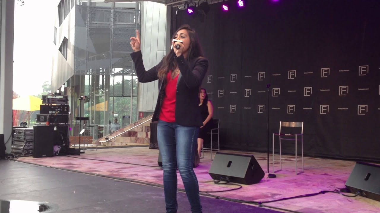 jessica-mauboy-whos-loving-you-acapella-live-federation-square-justin-sumner