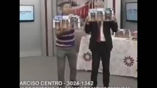 Apresentador tv quebra pote ao vivo em comercial