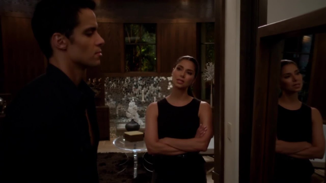 Download Devious Maids S01E10 Hanging the Drapes