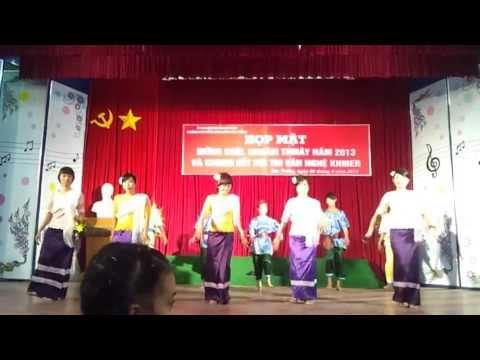 Mua khmer (vòng sơ khảo)_ QTKD K6, CĐCĐ Sóc Trăng