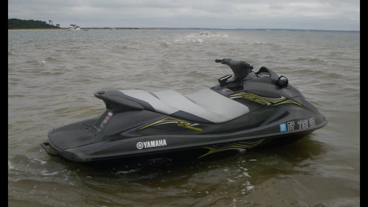 2014 Yamaha Waverunner VX Deluxe - having fun!! - YouTube