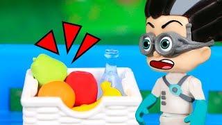 PJ Masks Toys ⚡Romeo Doesn