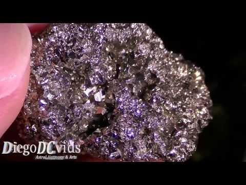 Pyrite fool's gold (FeS2) Sulfide mineral - pirita de ferro