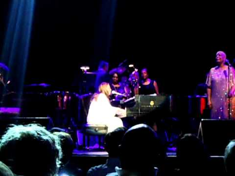 Aretha Franklin - Still Waters Run Deep & Bridge Over Trouble Water.AVI