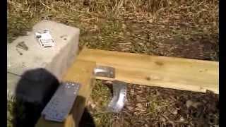 видео Строительные скобы для крепления бруса и бревен
