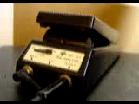 VINTAGE ROGUE WP-101 WAH WAH GUITAR EFFECTS PEDAL DEMO.