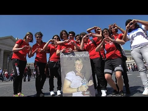 Soccer team sees Pope Francis in remembrance of their teammates death