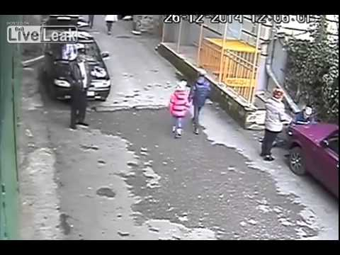 Thumbnail: LiveLeak com Garage blocked by the parked car