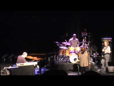Michael Franks - Eggplant (Live La Cigale Paris, 10-07-2010)