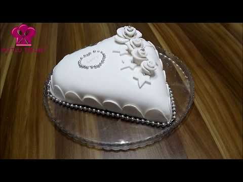 Kalp şeklinde yaş pasta - Şeker hamuruyla pasta süsleme - sevgiliye pasta - Mutlu Tatlar :)