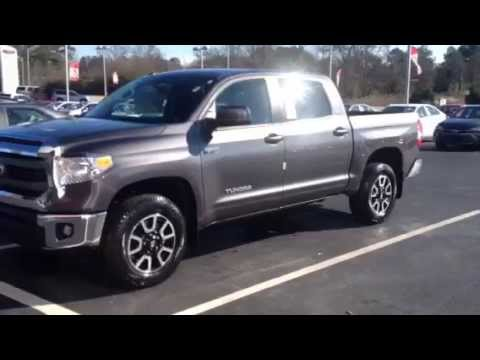 2015 Toyota Tundra SR5 Crewmax 4WD review by Ronnie Barnes - YouTube