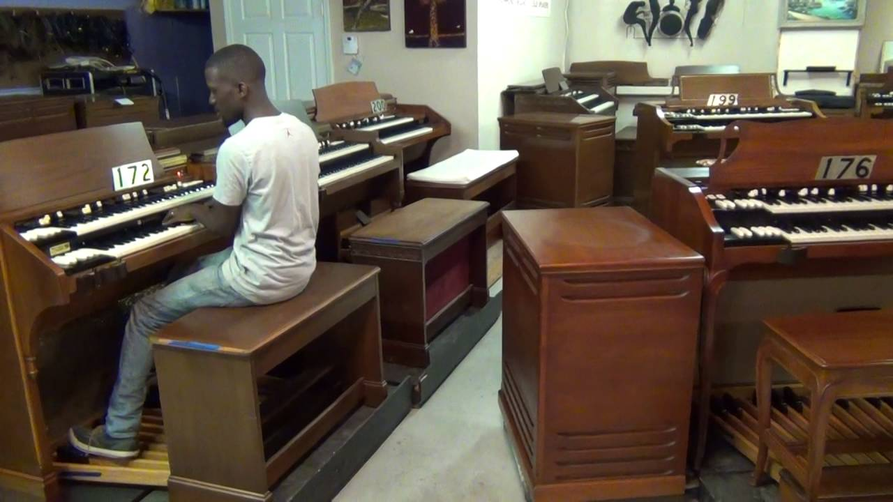 172 a 105 hammond organ for sale keyboard exchange international youtube. Black Bedroom Furniture Sets. Home Design Ideas