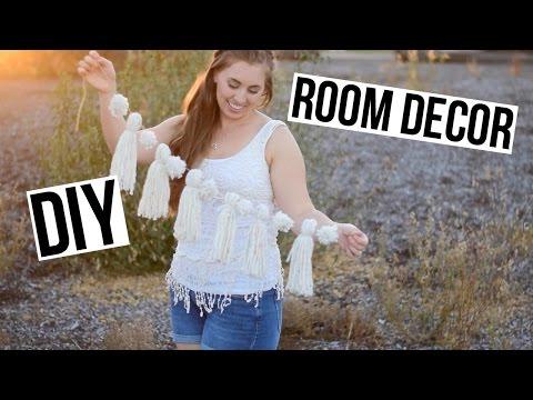 DIY ROOM DECOR - Yarn Tassel Garland and Wall Tapestry