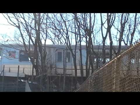 BMT Brighton Line: R68A B train Departing Avenue M