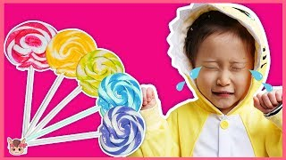 Finger Family Song nursery rhymes Pretend play with candy