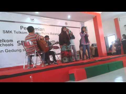 SEDULUR20 At Acoustic Konser Telkom School Malang