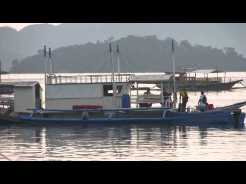Palawan Coron Divers preparing at the pier