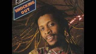 Shocking out - Ini kamoze