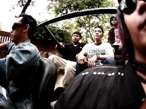 Behind the scene video clip Holyguns with Qbeat