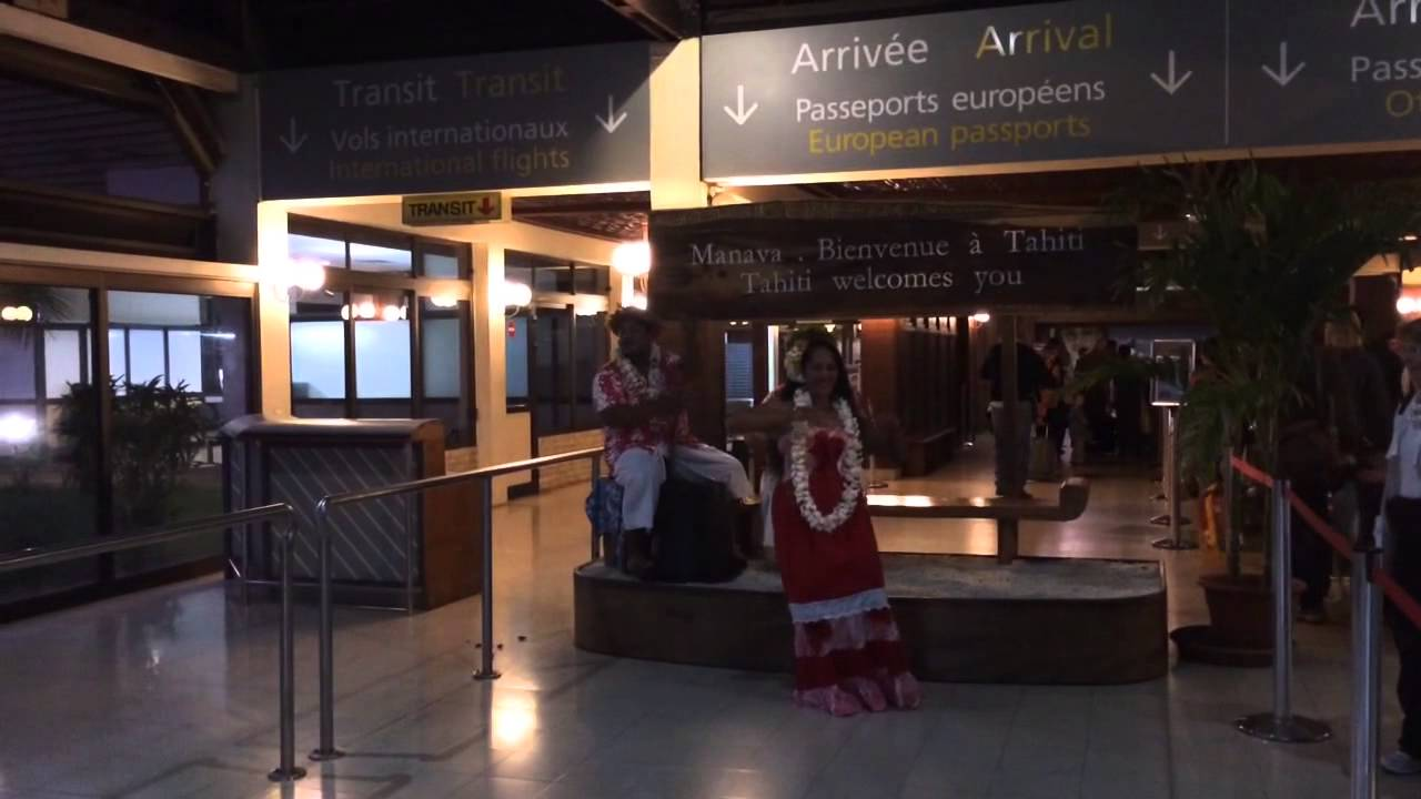 Tahitian airport greeting youtube tahitian airport greeting kristyandbryce Gallery