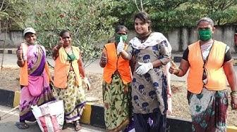 ఎండలో నిలబడి పని చేసిన స్లీపర్స్ కూడా మనుషులే కద || Sridevi helping||