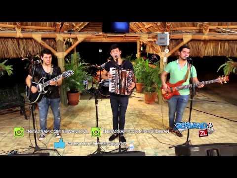 Los Nuevos Ilegales - La Bola