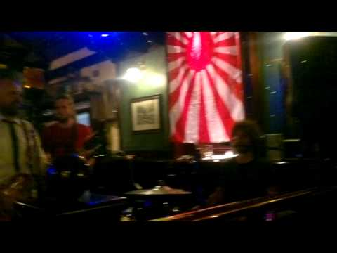 Berlin - Banda bem legal em um Irish Pub