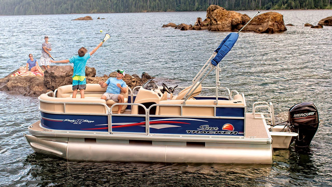 SUN TRACKER Boats : Videos : 2016 PARTY BARGE 18 DLX