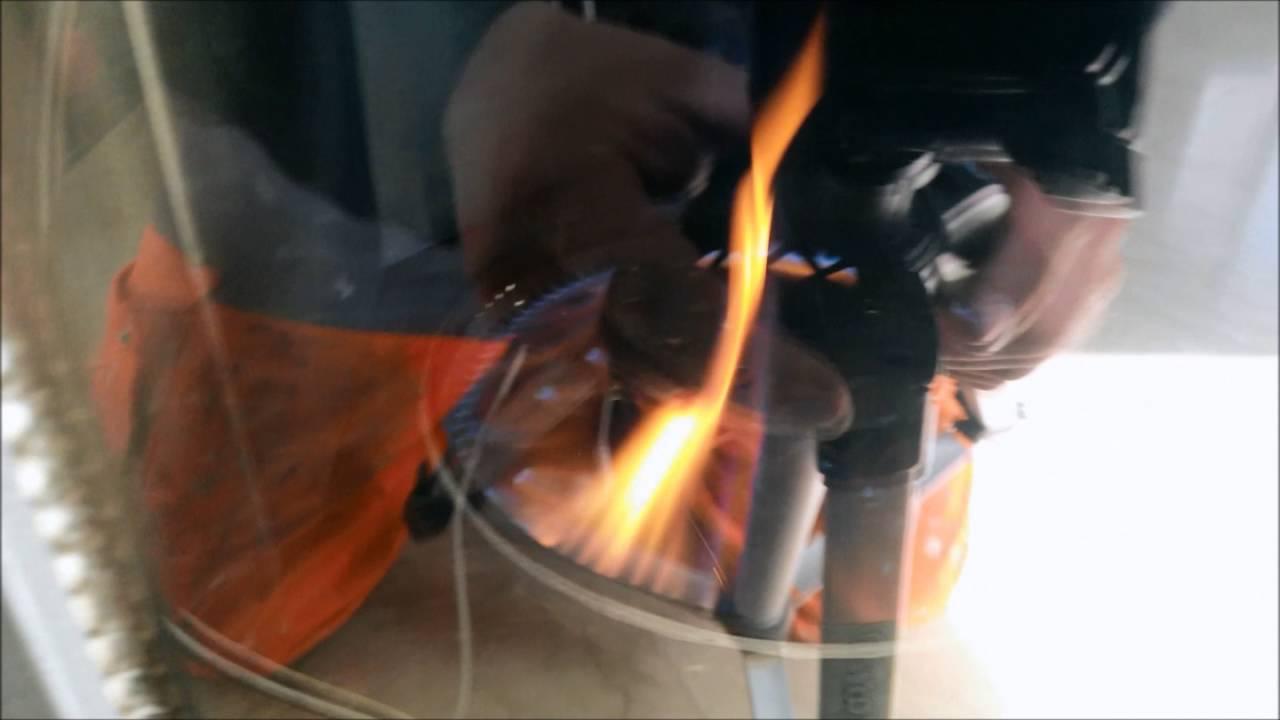Comment allumer un poele a fioul fuel mazout oil youtube - Poele a fuel ...