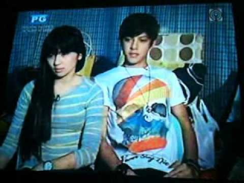 titigan..holding hands..payungan.. ♥