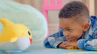 Дитина акула | танці лялька співає відому пісню | офіційний ТВ-ролик