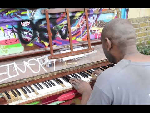 The London street piano which became a celebrity