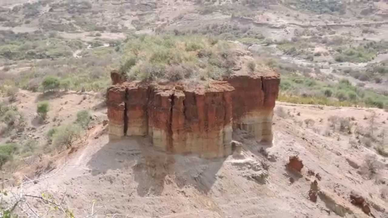 the discoveries at olduvai gorge The olduvai gorge or oldupai gorge in tanzania is one of the most important paleoanthropological sites in the world it has proven invaluable in furthering o.