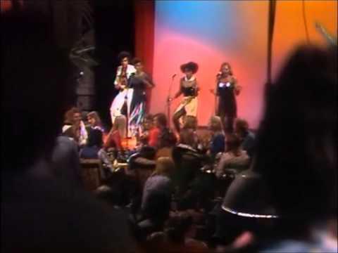 Jeroen Visser vs Boney M Dancebattle!